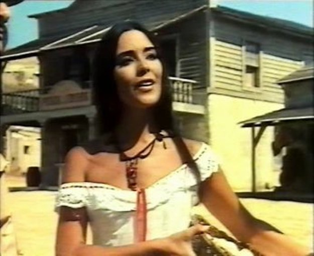 [Actrice] Pilar Velasquez Holy_g10