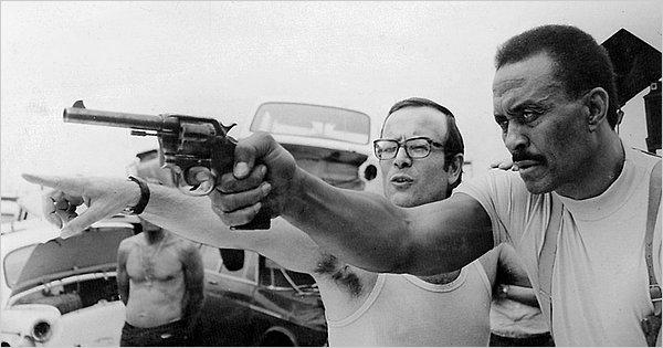 Passeports pour deux tueurs ( la mala ordina ) - 1972 - Fernando Di Leo Strode10