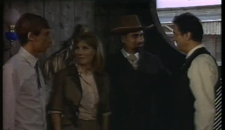 Le shérif ne tire pas . Lo sceriffo che non spara . 1965 . Jose-Luis Monter et Renato Polselli Famill10