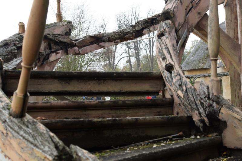 Hameau du Petit Trianon : Restauration de la maison de la Reine  - Page 2 Ruine_10