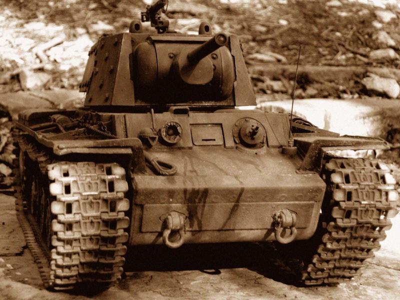 KV1 H L  con scafo e cingoli in metallo 2a10