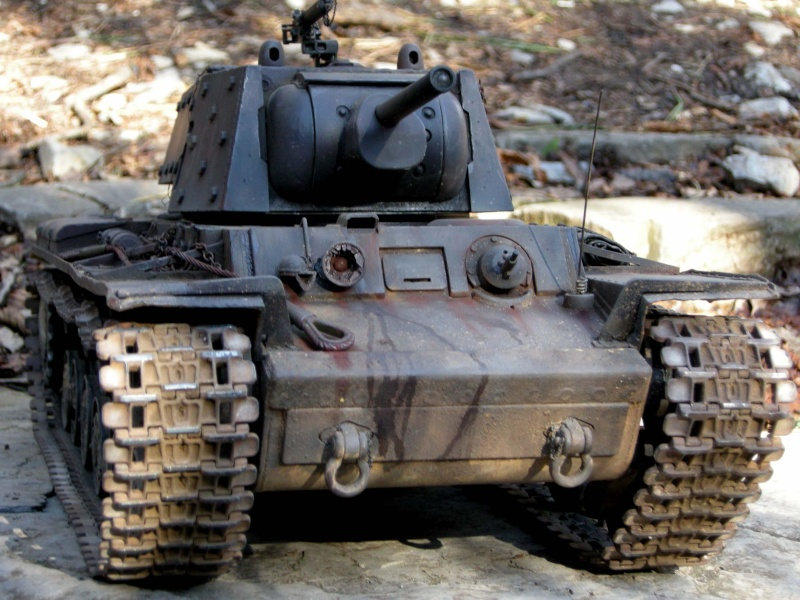 KV1 H L  con scafo e cingoli in metallo 410