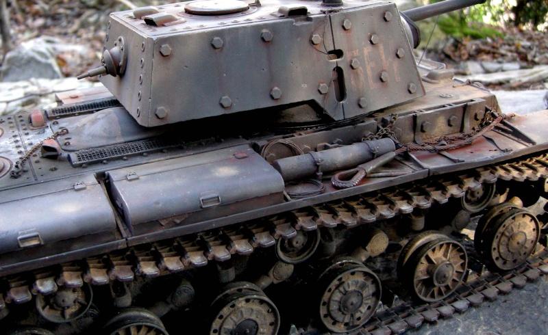 KV1 H L  con scafo e cingoli in metallo 910