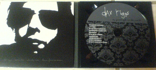 hey everybody whats everyone think of the new album? Dax-ne10