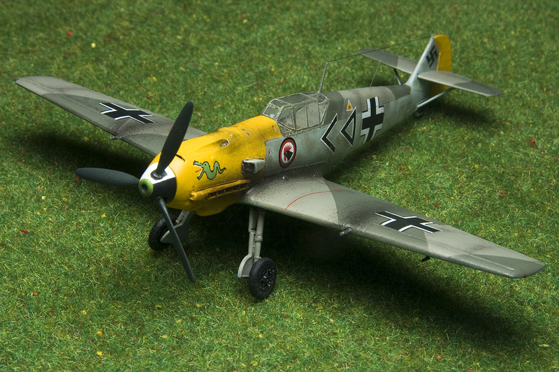 ICM Bf-109E-4 in 1/72nd scale. 8494_b10