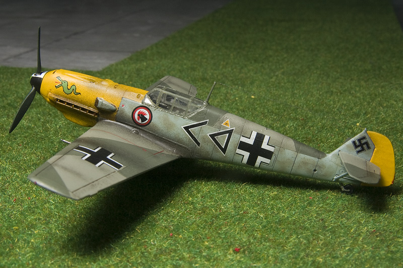 ICM Bf-109E-4 in 1/72nd scale. 8498_b10