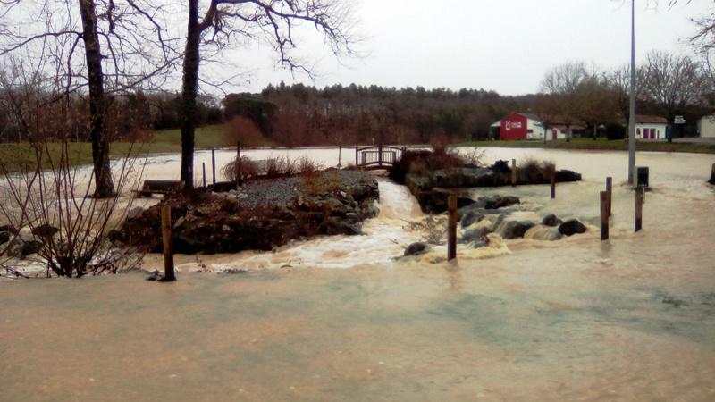 Lac inondé  Img_2028