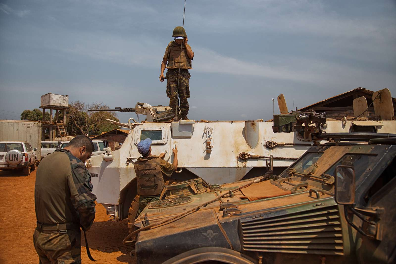 Photos - Véhicules blindées / Armored Vehicles, APC and IFV - Page 2 16333310