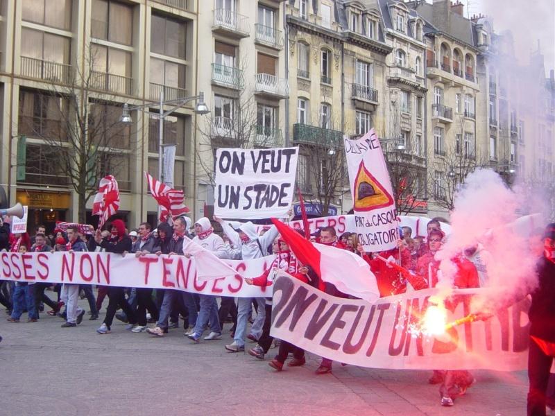 Stade de Reims - Page 3 Manif110
