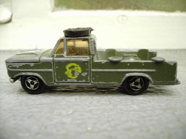 N°225 Dodge baché Pict3515