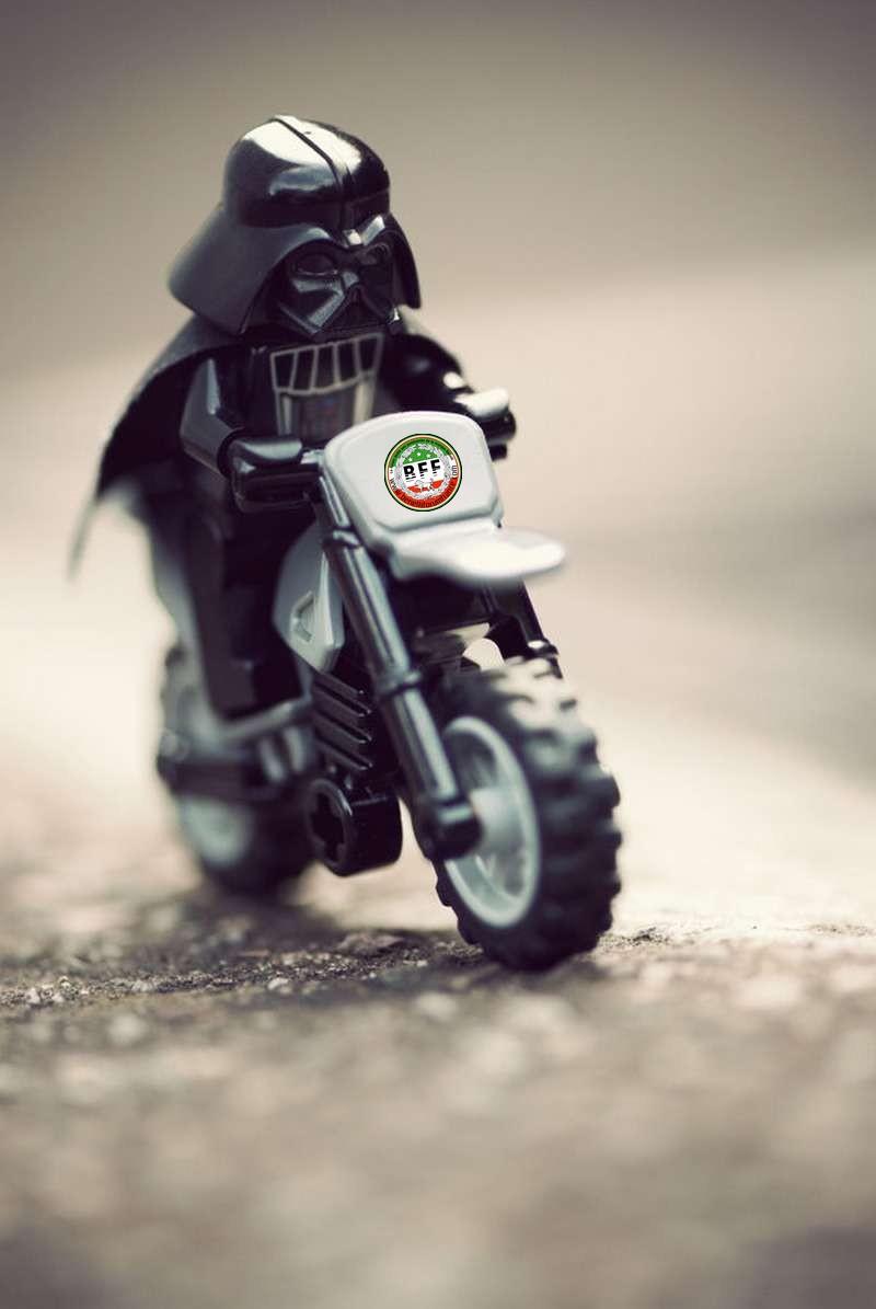 Lo34 a changé de moto Lo10