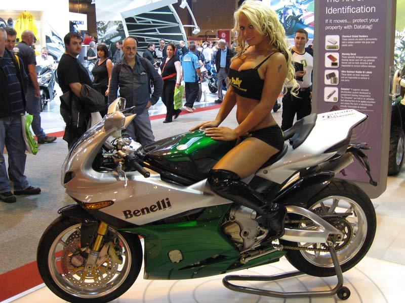 mocheté sur moto horrible... Webjoh11