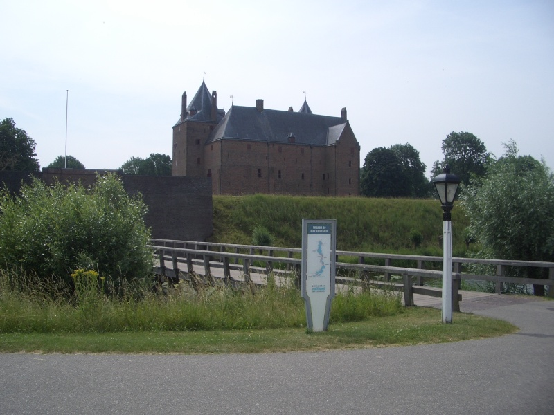 "Dutch ""Veteranen"" ride out, Loevestein Castle 2010-011"