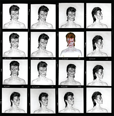 David Bowie pictures. - Page 3 Aladdi11