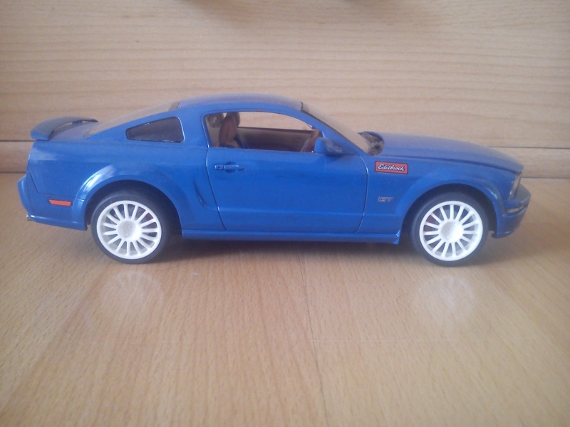 Ford Mustang GT 2005, Revell 1:24 Dsc_0111