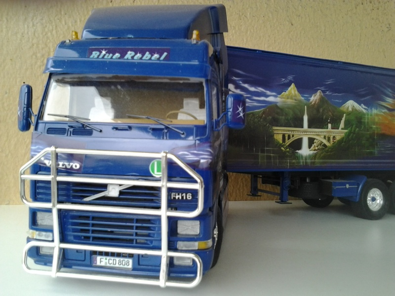 Revell Volvo Blue Rebel Foto0711