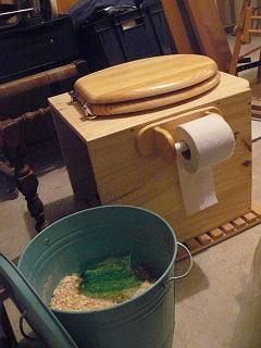 [hygiène]Fabriquer une toilette sèche - Page 4 Cagado11