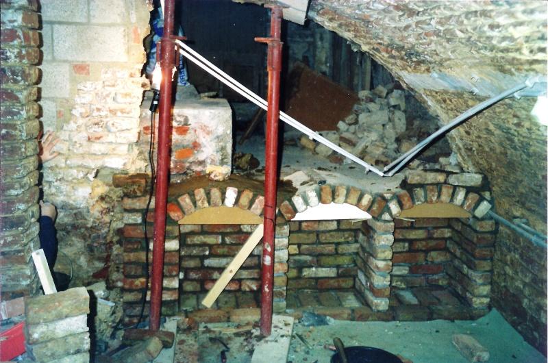 Rénovation d'une grange chez mon meilleur amis - Page 2 Cave_a11