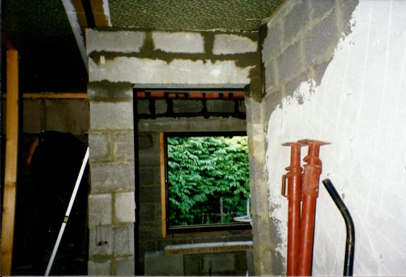Maison préfabriqué transformée en traditionnelle. - Page 4 Chambr12