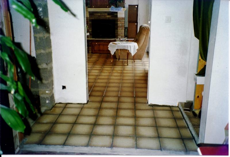 Maison préfabriqué transformée en traditionnelle. - Page 4 Hall_510