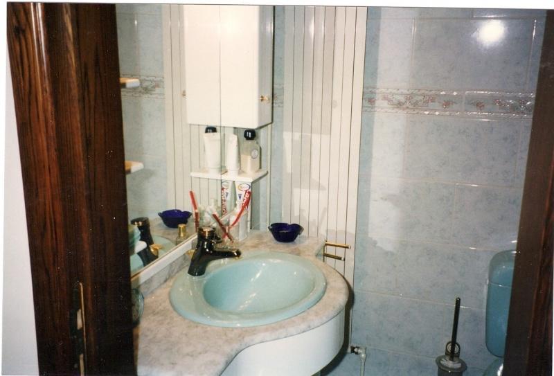 Maison préfabriqué transformée en traditionnelle. - Page 4 Sdb_2b10