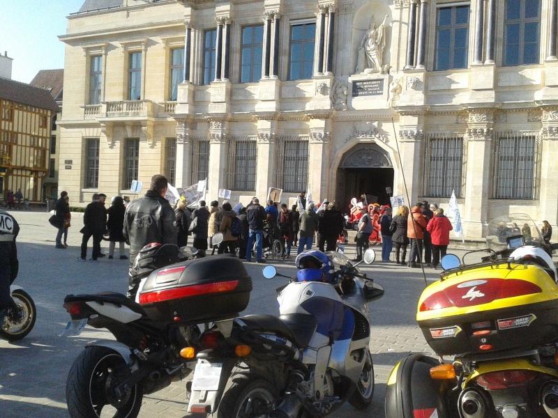 Manifestation APF 2015-012