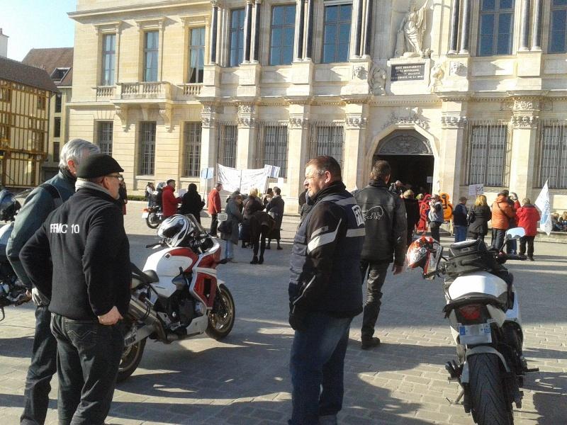 Manifestation APF 2015-013