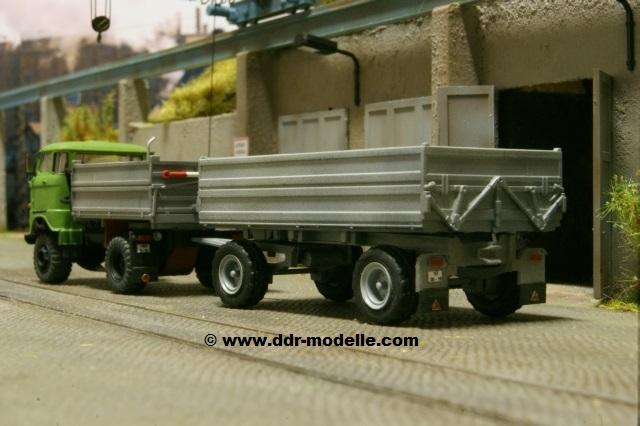 Zweiseitenkipper W50 LA/Z 2SK 5-ND mit Anhänger HW80 Dsc06617
