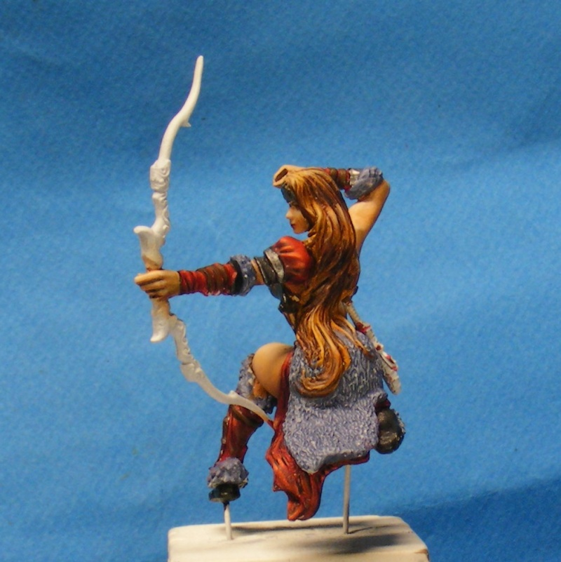Shauna and the wolf  : DRACONIA miniatures 54mm 00225