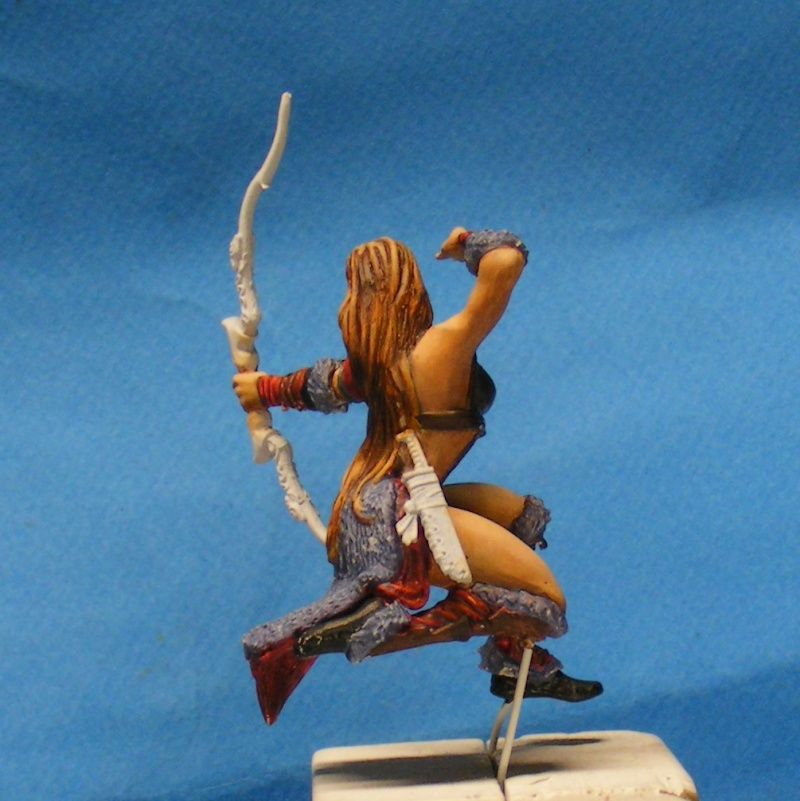 Shauna and the wolf  : DRACONIA miniatures 54mm 00325
