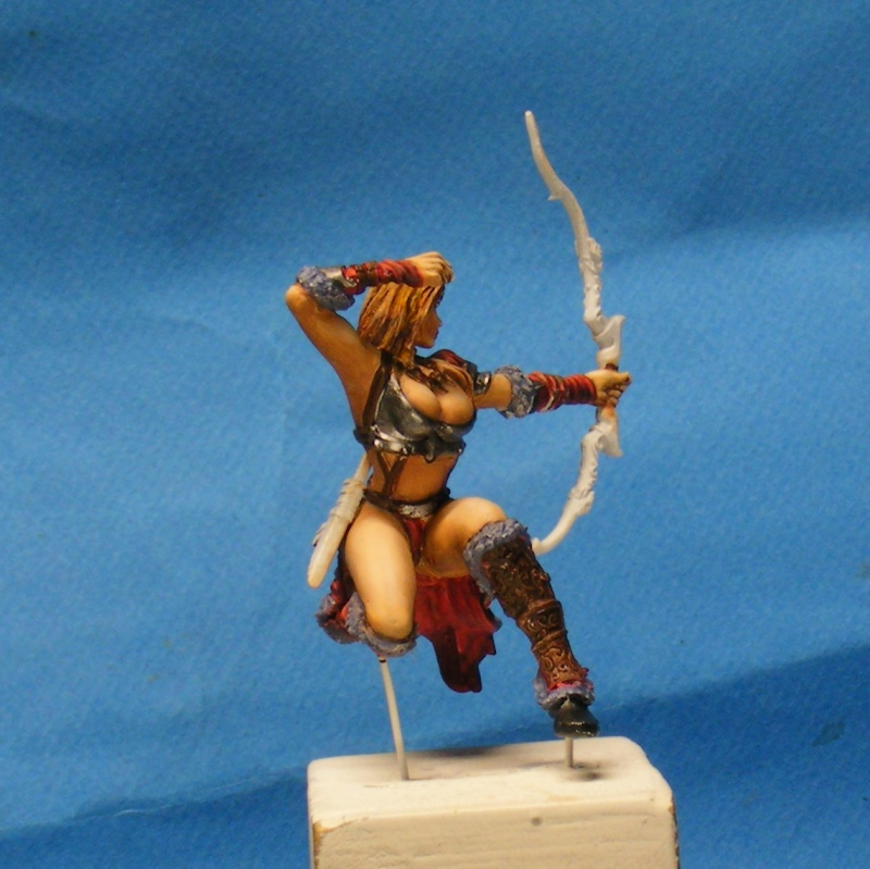 Shauna and the wolf  : DRACONIA miniatures 54mm 00419