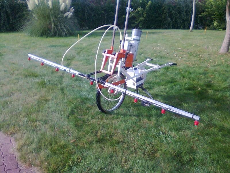 4500/30 idéal pour desherber la pelouse ! Photo014