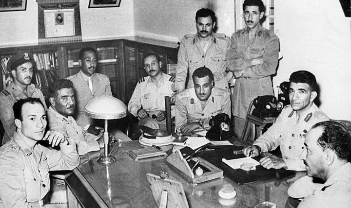 يناير - ذكرى ثورة 23 يوليو فى ظل ثورة25 يناير المصرية Ouoooo10