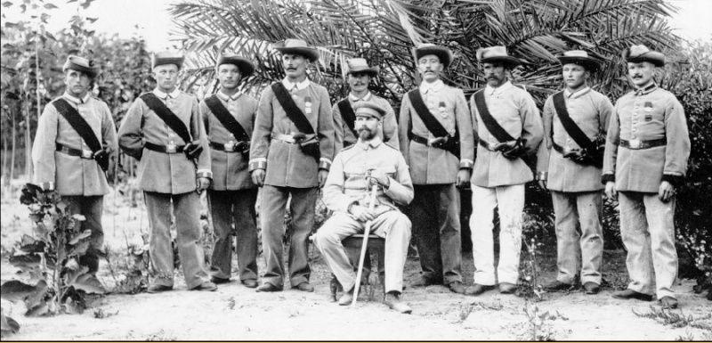 Uniformes et équipements des Troupes coloniales Aq10