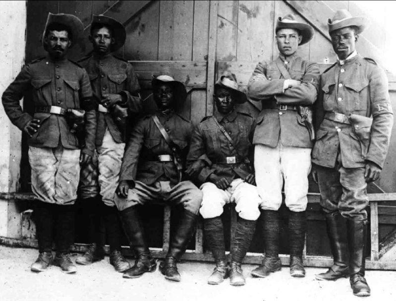 Uniformes et équipements des Troupes coloniales Aqqqq10