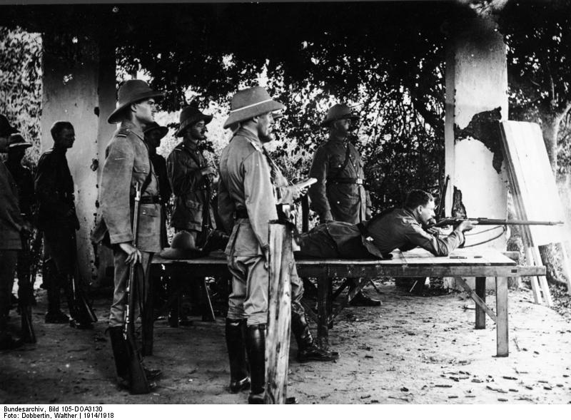 Uniformes et équipements des Troupes coloniales Bundes10