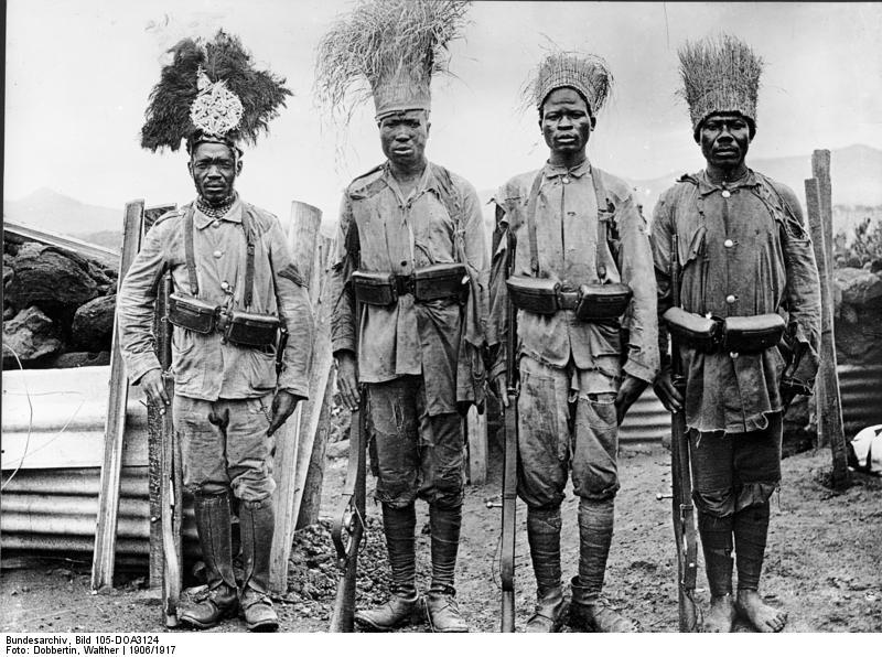 Uniformes et équipements des Troupes coloniales Bundes11