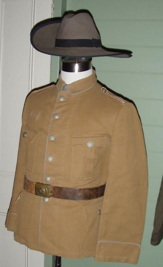Uniformes et équipements des Troupes coloniales Ee10
