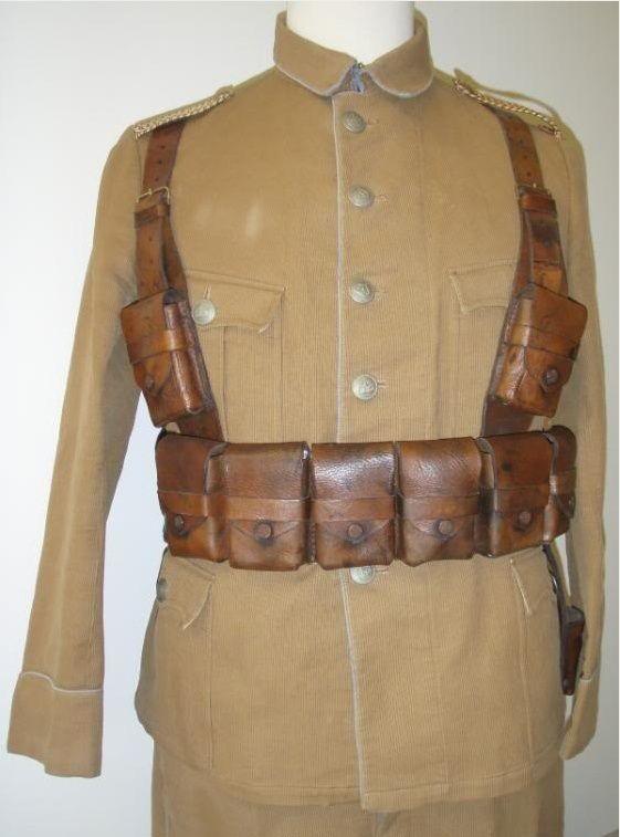 Uniformes et équipements des Troupes coloniales Ggg10