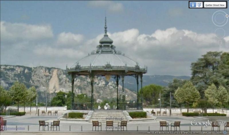 KIosque Peynet - Valence - Drôme - France Square10