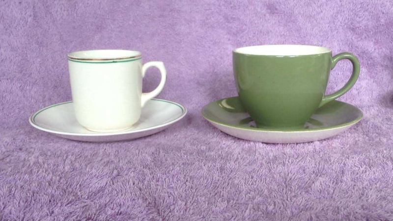 the 859 earthenware demitasse cup: South Pacific IGA Capri Wee Pets Bunny 859210