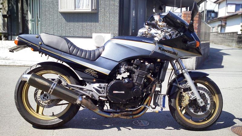 Kawasaki GPZ-R 900 et 750, 1000 RX, ZX 10 TOMCAT - Page 7 20121010