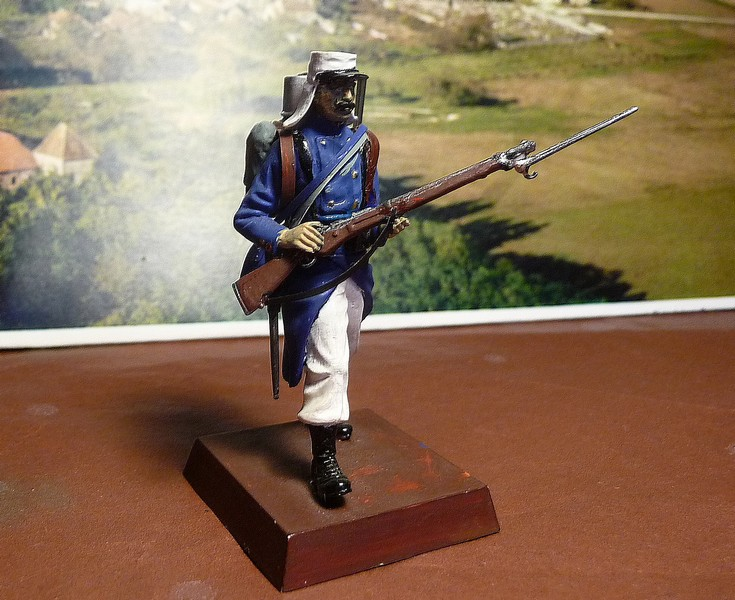 LEGIONNAIRE FRANCAIS de 1908   - Trés ancienne figurine AIRFIX de 1976 P1050910