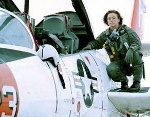 ma maman est pilote d'avion!!!!!! Mime-a10