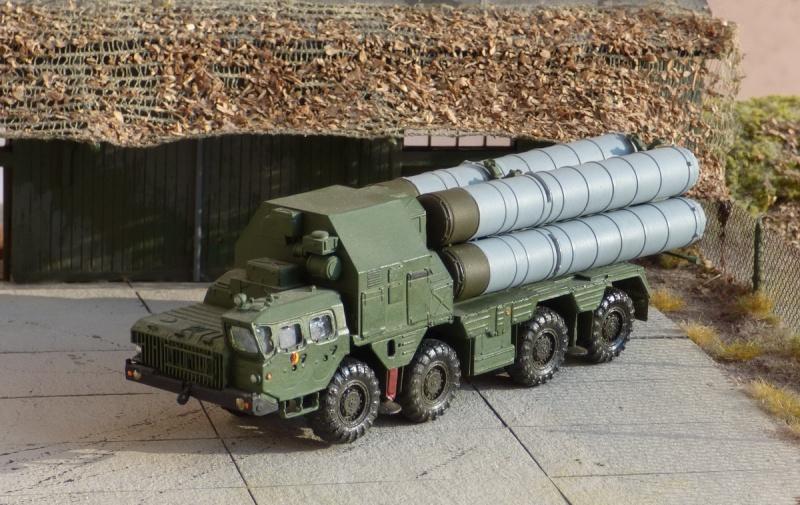 Fla-Raketenkomplex S-300PMU P1000513