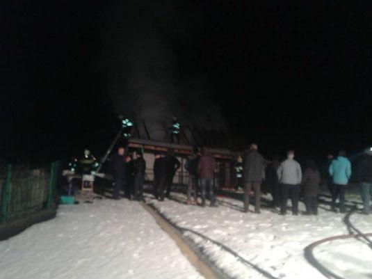 Požar na obiteljskoj kući u D. Zoviku 211