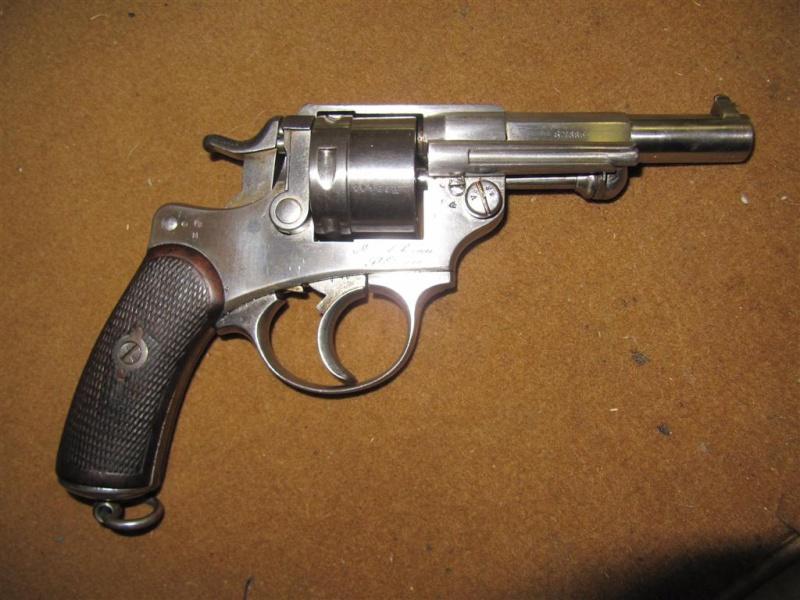 panorama des armes de poing réglementaires en categorie D  Img_3210