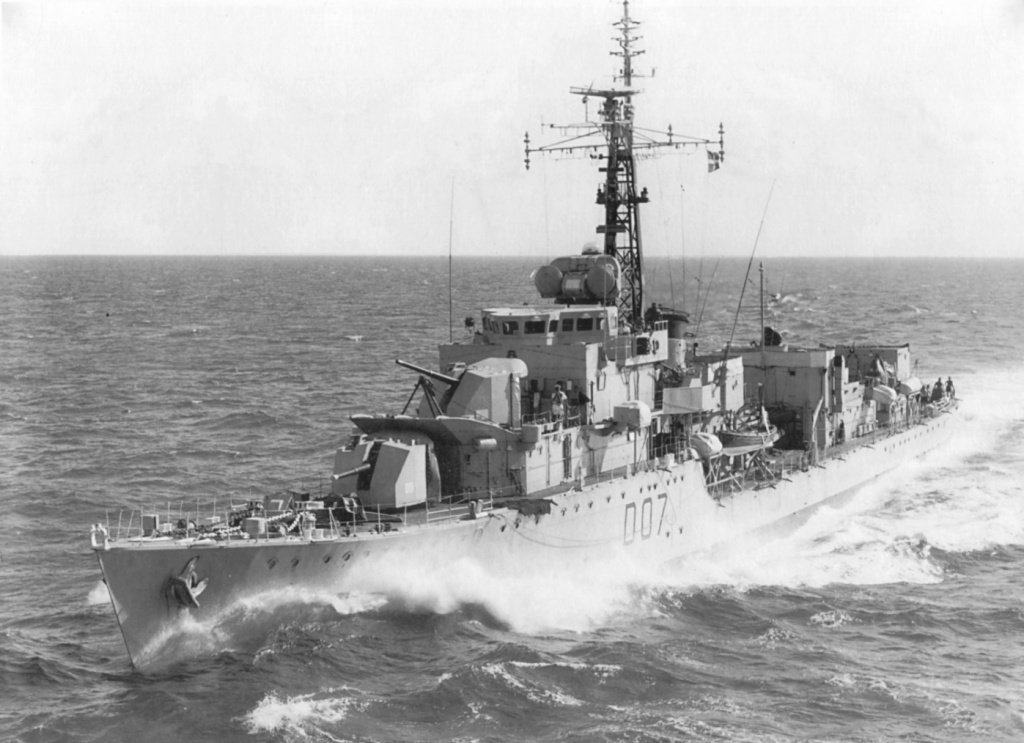 DESTROYER DE LA ROYAL NAVY : du CAESAR au DUCHESS Caesar12