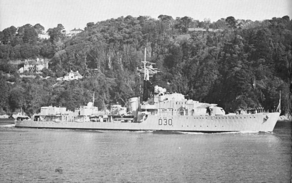 DESTROYER DE LA ROYAL NAVY : du CAESAR au DUCHESS Carron10