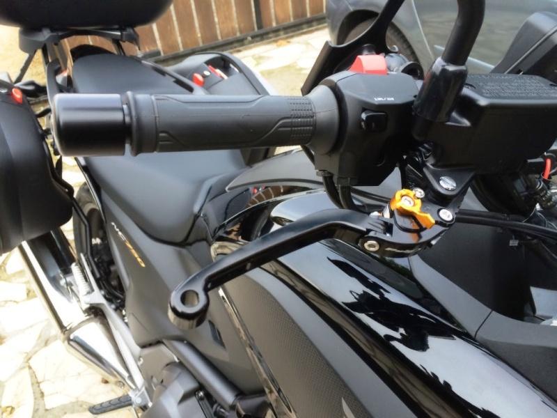 Equipements levier de frein repliabble de chez Puig Img_5921